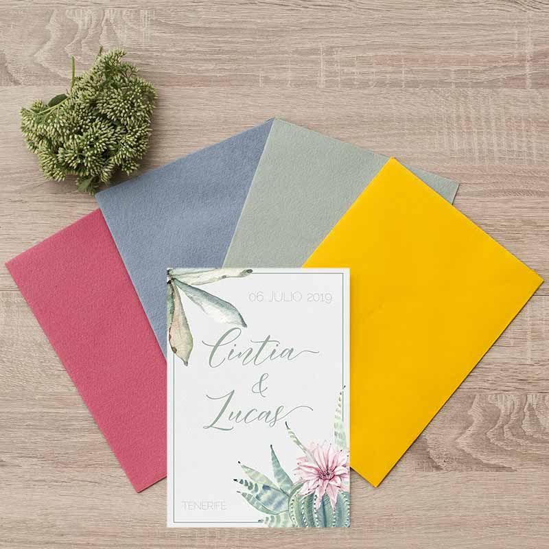 Sobres invitaciones de boda cactus