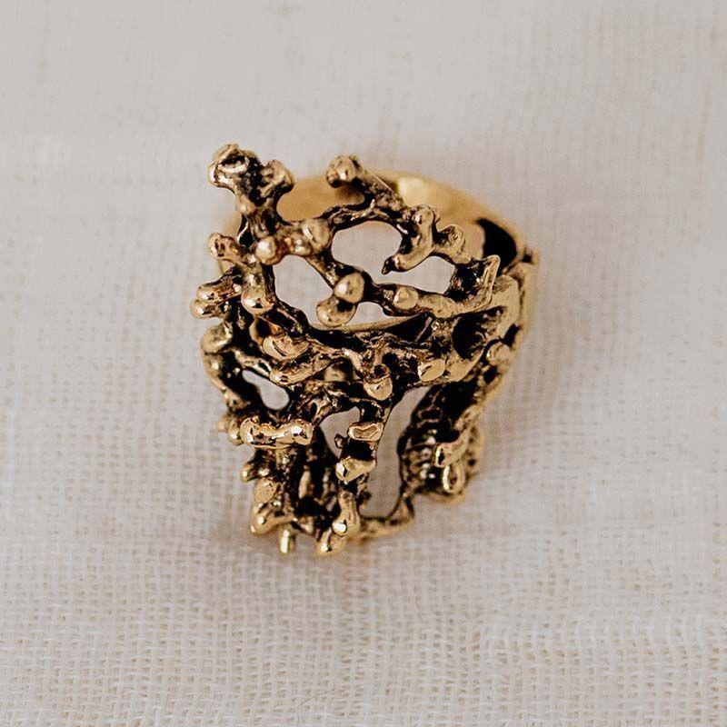 Anillo coral oro