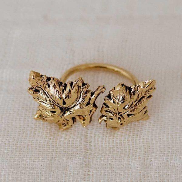 Anillo hojas parra oro