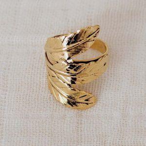 Anillo tres hojas oro