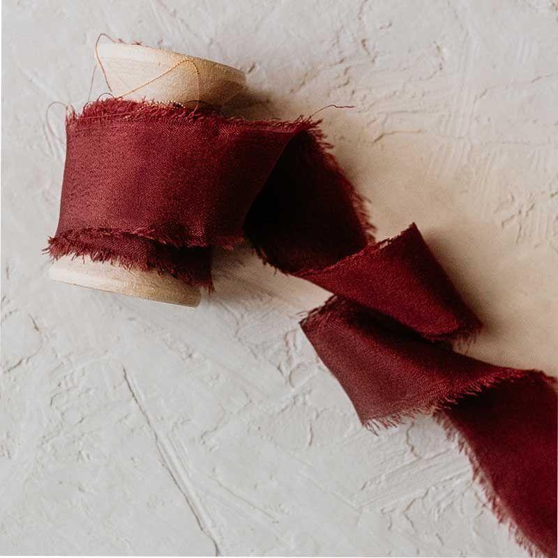 Cinta de seda hecha a mano burdeos
