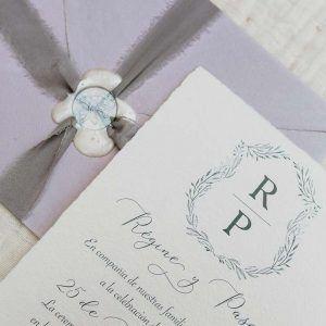 invitación boda artesanal gris 'Régine'