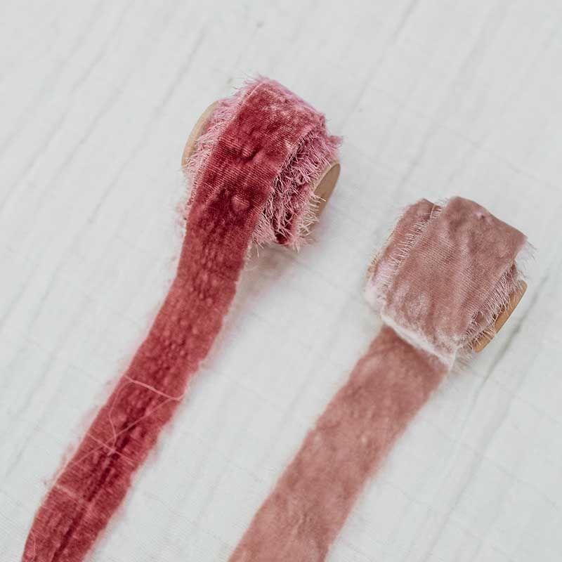 cinta de terciopelo rosas